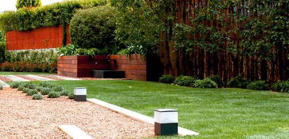 Renoambient mantenimiento de jardiner a en matadepera for Trabajo de mantenimiento de jardines